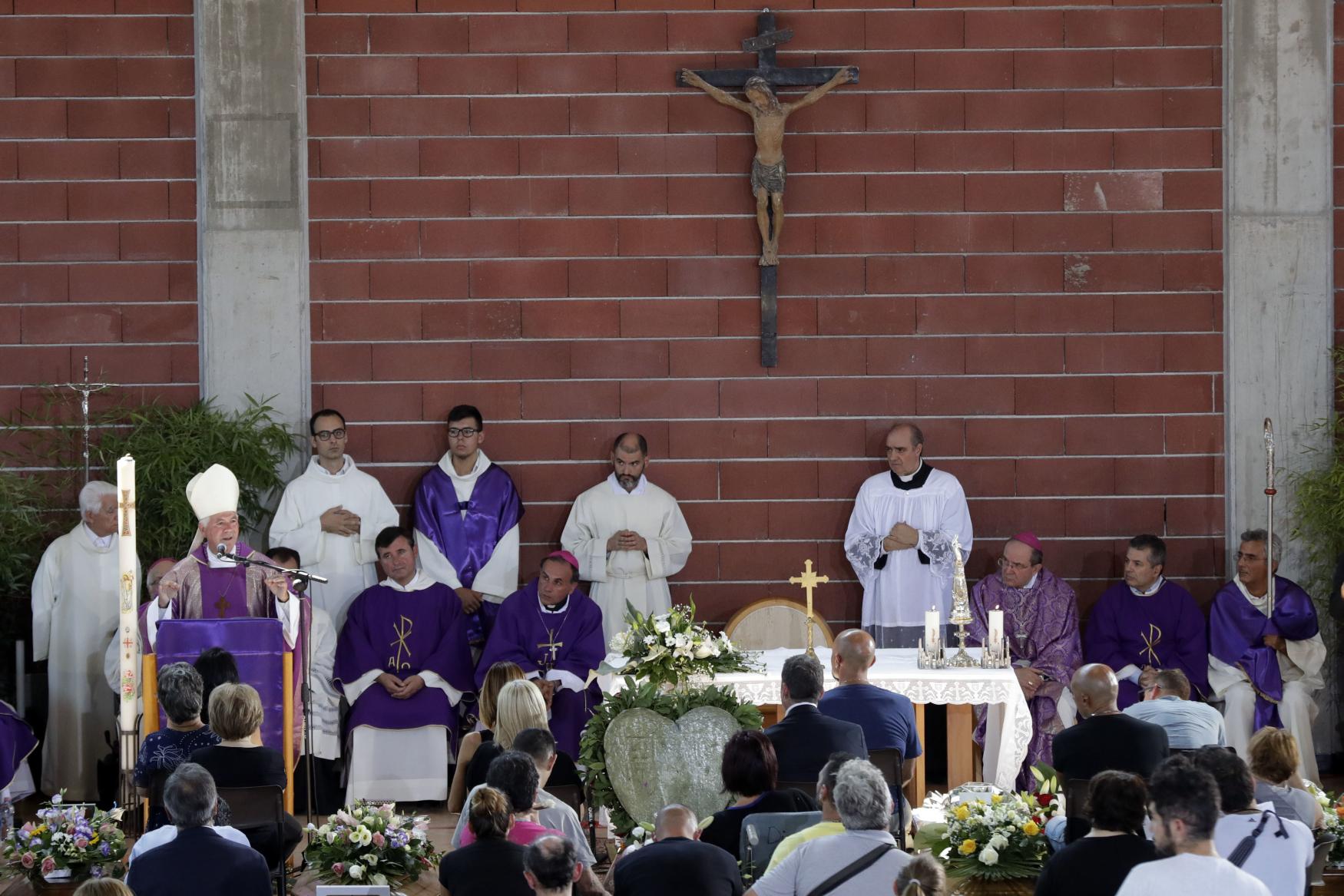 Státní pohřeb obětí