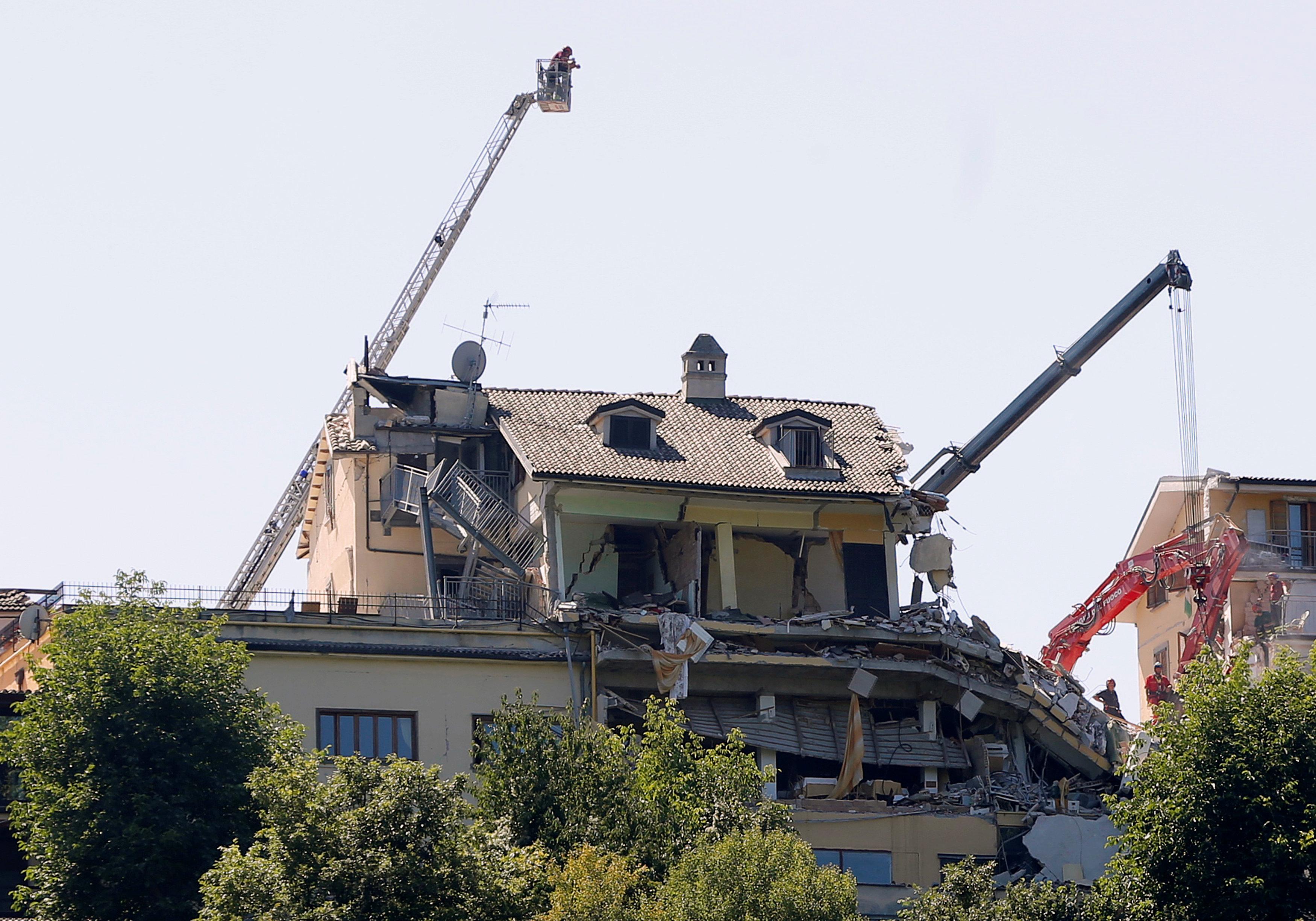 Zničený hotel v Amatrice