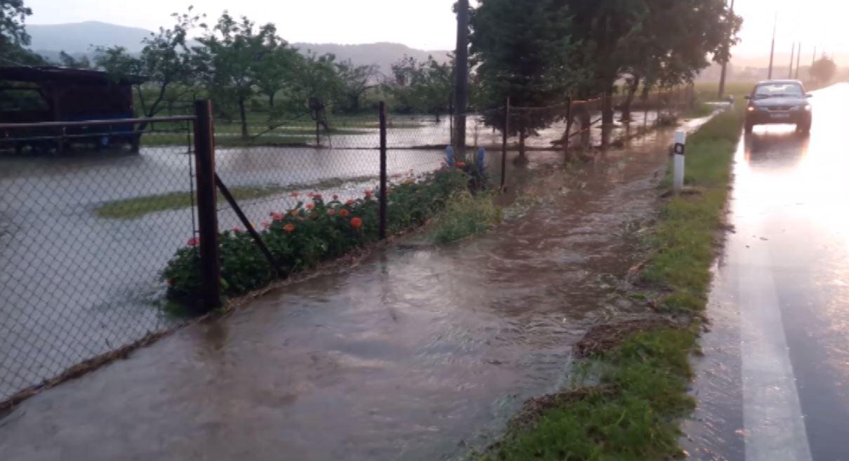 iReportér Michal Zajonec: V Javorníku voda zatopila několik zahrad a sklepů