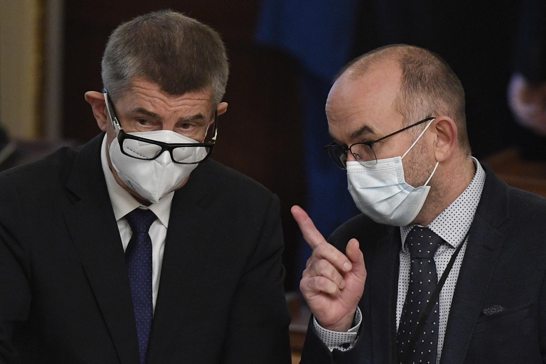 S výměnou Prymuly za Blatného lidé souhlasí, ukázal průzkum. Z vládních  politiků věří nejvíce Hamáčkovi, nedůvěřují Babišovi — ČT24 — Česká televize