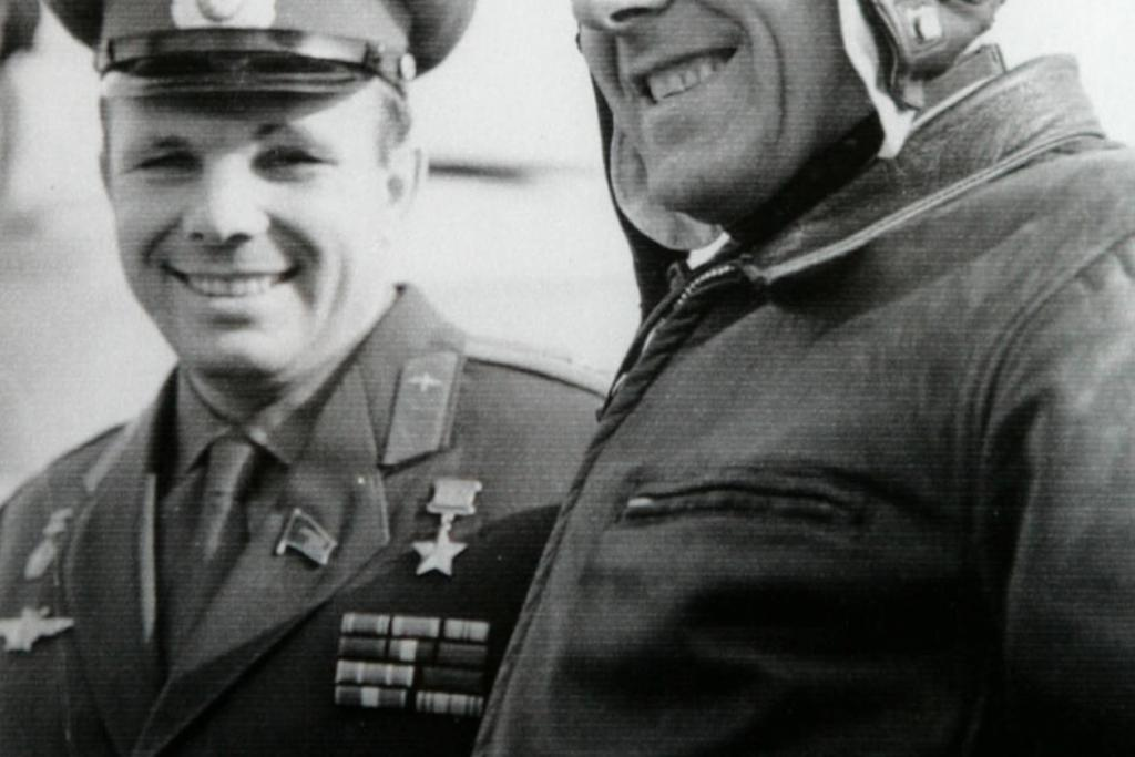 Vlevo Gagarin, vpravo Komarov