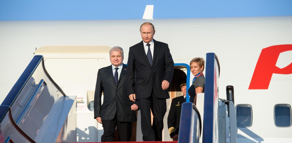 OBRAZEM: Čína vítá státníky, Zeman ve společnosti Putina a Lukašenka