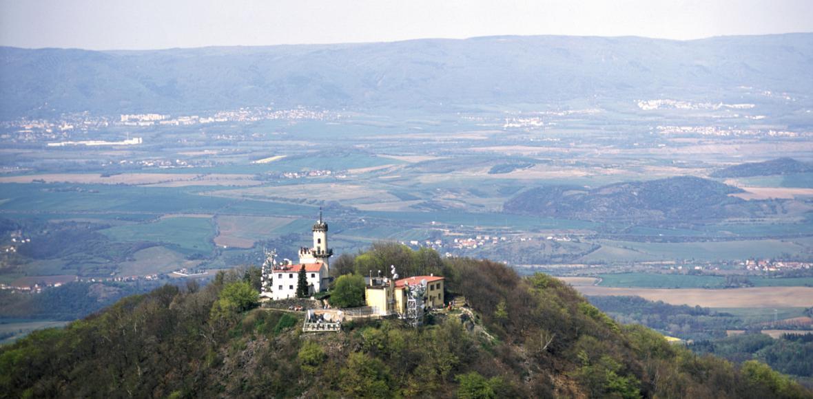 Na Milešovce se už 110 let sleduje počasí, o víkendu se observatoř otevírá pro veřejnost