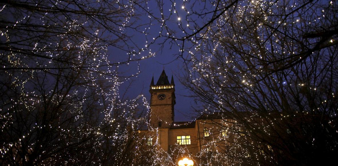 Nenápadně, ale přece: Vládu nad centrem Prahy převzaly Vánoce