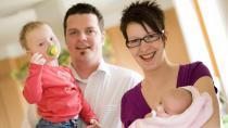Poslanci schválili otcovskou dovolenou. Muže má motivovat k většímu zapojení do péče