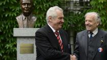 Premiér odmítl podepsat jmenování Karla Srpa do etické komise