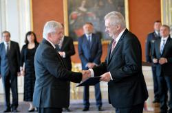 Prezident jmenoval Jiřího Rusnoka guvernérem ČNB
