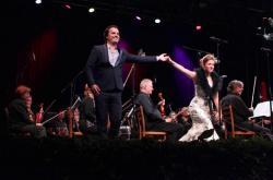Ioan Hotea a Kateřina Kněžíková při zahajovacím koncertě Festivalu Petra Dvorského 2016