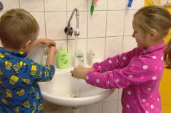 Tři jihočeské školy přijaly opatření kvůli žloutence