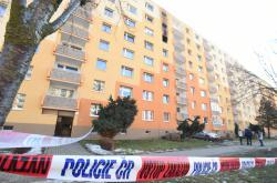 V Jirkově hořel panelák