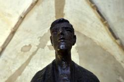 Socha faráře Toufara od Olbrama Zoubka