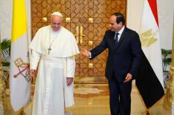 Papež František s egyptským prezidentem Sísím