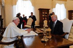 František udělil Trumpovi soukromou audienci