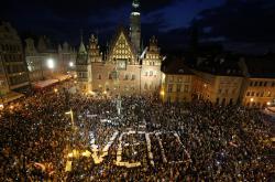 Demonstranti v polské Vratislavi žádají, aby prezident vetoval justiční reformu
