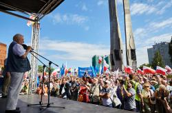 Lech Walesa při demonstraci v Gdaňsku