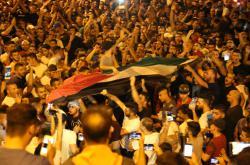 Palestinci se radují z odstranění bezpečnostních opatření