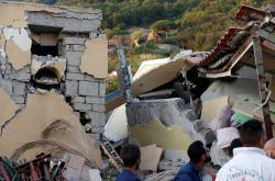 Následky zemětřesení na ostrově Ischia