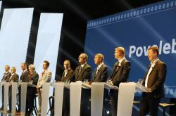 Lídři politických stran během předvolební Superdebaty ČT v Kongresovém centru