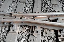 Poškozené koleje v tunelu mezi pražským hlavním a vršovickým nádraží