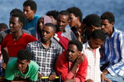 Migranti u italských břehů