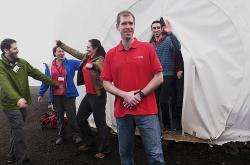 Účastníci projektu po roce opouštějí speciální stanovou kopuli