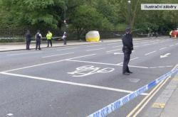 Policie hlídá místo útoku