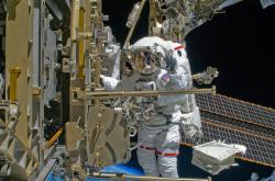 Výstup na plášť ISS