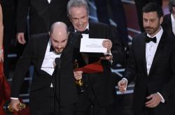 Oznámení správného vítěze Oscarů - Moonlightu