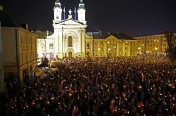 Protest před nejvyšším soudem ve Varšavě