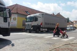 Přejít přes přechod v Černé Hoře je hazard