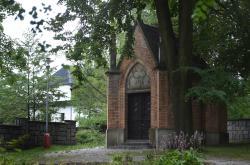 Šustalova hrobka