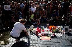 Pietní místo po útoku v centru Barcelony