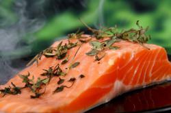 Cena lososího masa stoupá