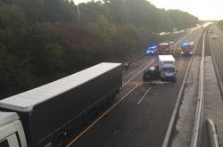 Dálnici D1 u Brna ráno uzavřela nehoda kamionu, dodávky a osobního auta