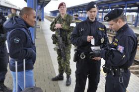 Policisté a vojáci kontrolovali v rámci společného cvičení i nádraží v Břeclavi