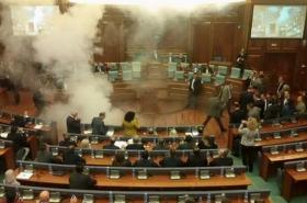 Incident v kosovském parlamentu