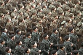 Společná přehlídka. Československá ldová armáda a Lidové milice