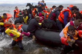 Uprchlíci u řeckého ostrova Lesbos