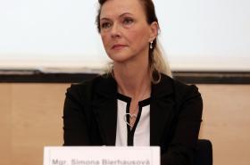 Simona Bierhausová