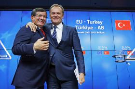 Donald Tusk a Ahmet Davutoglu