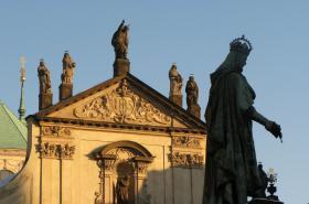 Socha Karla IV. na Křižovnickém náměstí