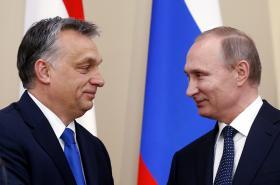 Orbán a Putin během moskevské schůzky
