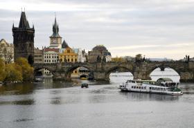 Staroměstská mostecká věž a Karlův most