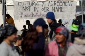 Protesty uprchlíků na řecko-makedonské hranici