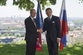 Český premiér Sobotka (vlevo) se v Praze setkal s předsedou slovenské vlády Ficem.