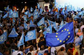 Příznivci Lidové strany oslavují výsledky voleb
