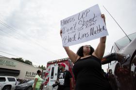 Protest proti policejnímu násilí vůči černošským obyvatelům