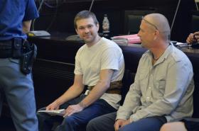 Obžalovaní Martin Ignačák a Petr Sova (vpravo) u pražského městského soudu