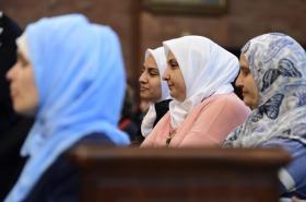 Muslimové na bohoslužbě v kostele Nejsvětějšího Srdce Páně