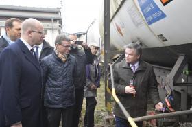 Odplombování první dodávky nafty, která dorazila do Česka